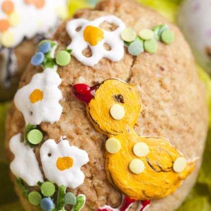 Бисквитени великденски яйца