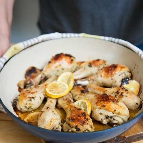 Чеснови пилешки бутчета с лимон