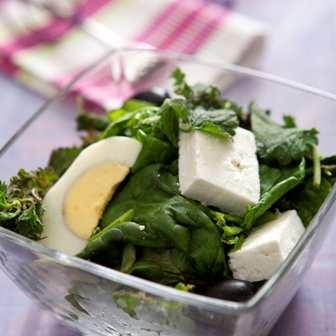 Гергьовска салата от спанак и коприва