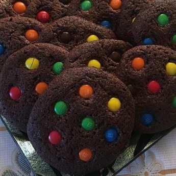 Какаови бисквити с М&Ms бонбони