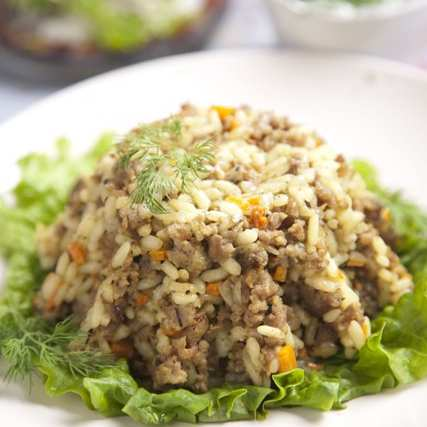Кайма с ориз и зеленчуци в сос от копър