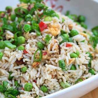 Китайски пържен ориз с яйца
