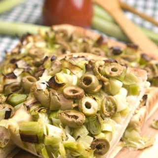 Пица с праз и маслини
