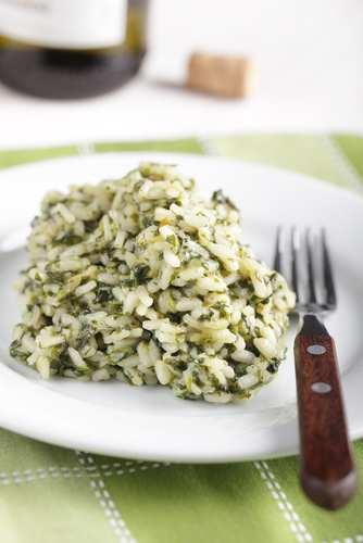 Задушен спанак с ориз на фурна
